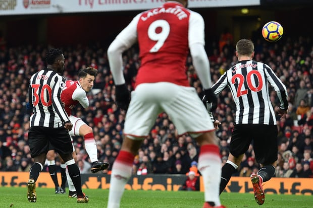 Arsenal sneak past the Magpies for three vital points